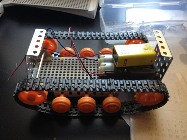 Продолжаем строить робота